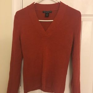 Sarah spencer rust orange wool v neck sweater